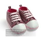 รองเท้าผ้าใบเด็กลายตาราง-สีแดง-(4-คู่/แพ็ค)