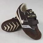 รองเท้าผ้าใบแถบข้าง-Nike-สีน้ำตาล-(7-คู่/แพ็ค)