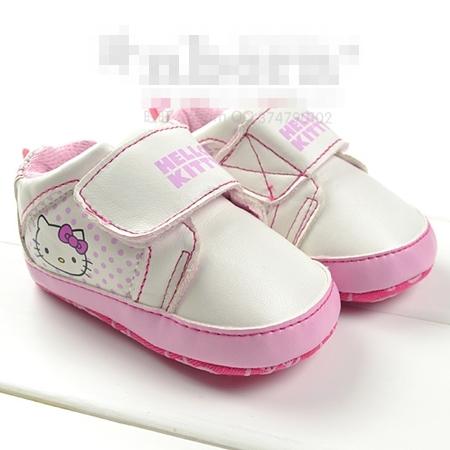 รองเท้าเด็ก-Hello-Kitty-ลายจุด-สีชมพู-(3-คู่/แพ็ค)