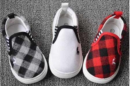 รองเท้ากวางน้อย สีขาว (8คู่/แพ็ค)