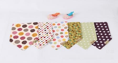 ผ้าพันคอสามเหลี่ยมลายจุด คละสี (12 ชิ้น/pack)