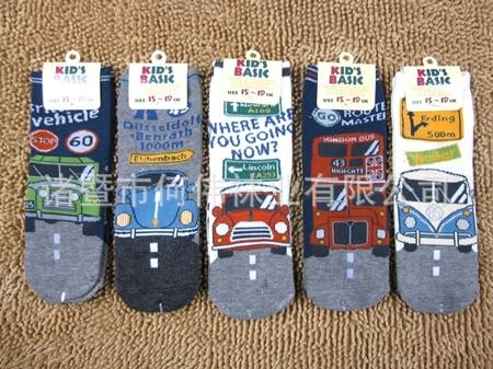 ถุงเท้าเด็กรถคลาสสิค คละลาย (20 คู่ /pack)