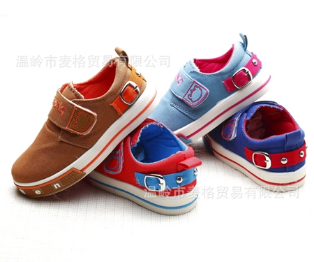 รองเท้าเด็ก BBXING สีแดง (6 คู่/แพ็ค)