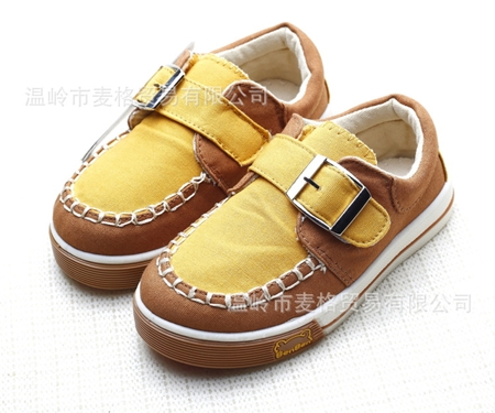 รองเท้าเด็ก Benben คาดหน้าสีน้ำตาล (6 คู่/แพ็ค)