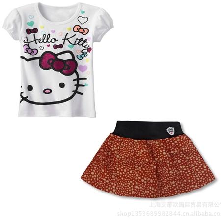 ชุดเสื้อและกระโปรง Hello Kitty สีขาว (5 ตัว/pack)