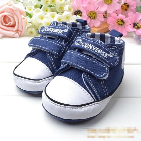 รองเท้าผ้าใบเด็ก Converse สีน้ำเงิน (6 คู่/pack)