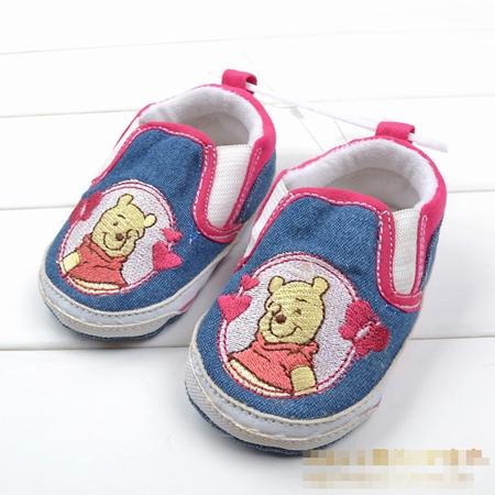 รองเท้าเด็กหมีพูลล์ Disney สีฟ้า (6 คู่/pack)