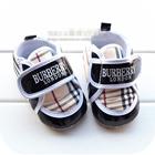 รองเท้าผ้าใบเด็ก-Burberry-ขอบสีดำ-(6-คู่/pack)