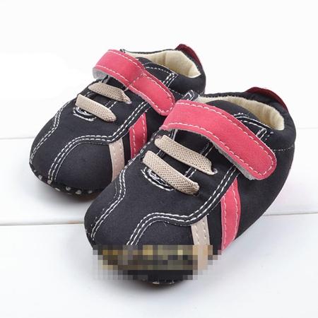 รองเท้าผ้าใบเด็ก Guess สีดำ(6 คู่/pack)