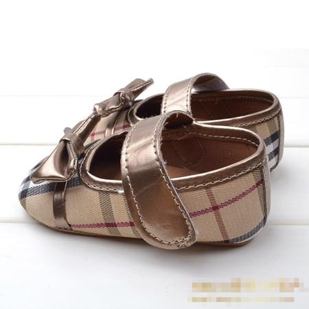 รองเท้าเด็ก Burberry โบว์ทอง (6 คู่/pack)