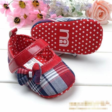 รองเท้าเด็กลายตาราง Mothercare (6 คู่/pack)