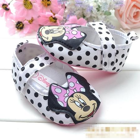 รองเท้าเด็กลายจุด Minnie Mouse  (6 คู่/pack)
