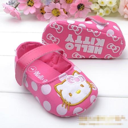 รองเท้าเด็กลายจุด Hello Kitty สีชมพู  (6 คู่/pack)