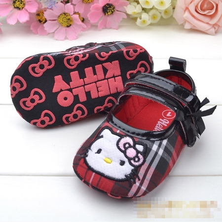 รองเท้าเด็กลายตาราง Hello Kitty สีแดง (6 คู่/pack)