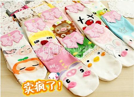 ถุงเท้าเด็กลายการ์ตูน คละสีคละแบบ (20 คู่ /pack)