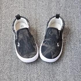 รองเท้าเด็กกวางน้อย สีดำ (8 คู่/แพ็ค)