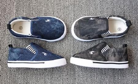 รองเท้าเด็กกวางน้อย สีน้ำเงิน (8 คู่/แพ็ค)