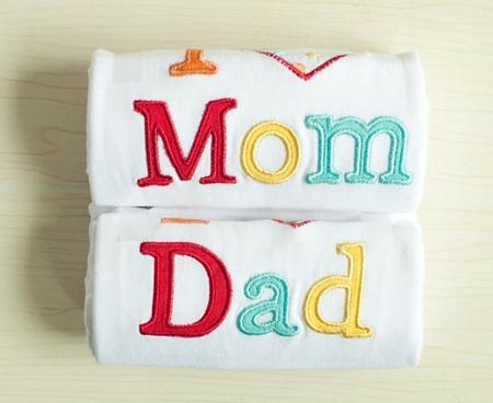 บอดี้สูทเด็ก Mom Dad แบบที่ 1 (5 ตัว/pack)