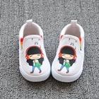 รองเท้าเด็กเด็กน้อยฟังเพลง-สีขาว-(8-คู่/แพ็ค)