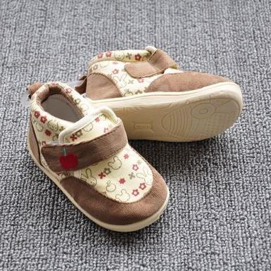 รองเท้าเด็กกระต่ายและดอกไม้ สีน้ำตาล (6 คู่/แพ็ค)
