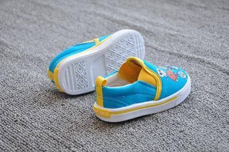 รองเท้าเด็ก อันปังแมน  สีฟ้า (8 คู่/แพ็ค)