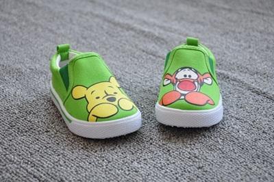 รองเท้าเด็ก หมีพูห์และทิกเกอร์(8 คู่/แพ็ค)