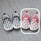 รองเท้าเด็ก-ลายตารางโทนสีแดง(8-คู่/แพ็ค)