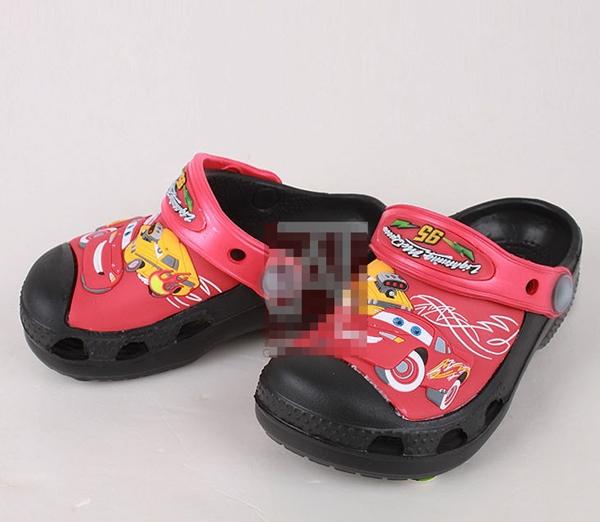 รองเท้าเด็กรถแข่ง สีแดงดำ (15 คู่/แพ็ค)