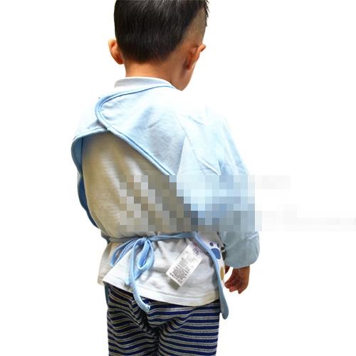ผ้ากันเปื้อนเด็กแขนยาว คละแบบคละลาย (10 ชิ้น/pack)