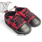 รองเท้าผ้าใบ-TAPOUT-ลายสก็ตอสีแดง-(6-คู่/แพ็ค)